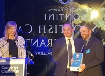 Dr Peter Orrell (r) receives CC award (c) James Hutton Institute