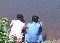 Men at a river in Rajasthan © Earthlinks UK