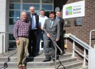 Minister Jamie Hepburn visited our Dundee site (c) James Hutton Institute