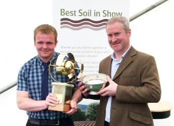 Douglas Greig (l) and John Weir (r), winners of Best Soil in Show 2018