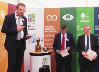 Prof Colin Campbell announces plans for a James Hutton Foundation (c) JHI