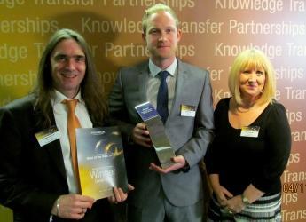 Daniel Smith (center), winner of BLT 2014 award (courtesy S&A Group)