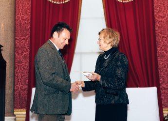 Euan Caldwell receives RASE Tech Medal (image Eleanor Joy Photography)