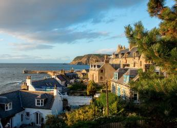 Gardenstown, Aberdeenshire (Image by DragonTools from Pixabay)