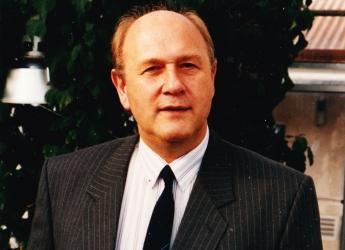 Photo of Professor John Hillman