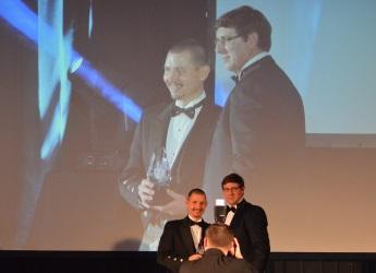 Mark Sinclair (right) presents the award to Inveralmond Brewery (c) James Hutton