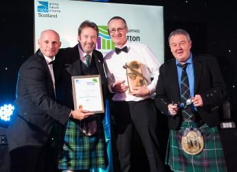 Presentation of Food & Farming Award (courtesy Simon Williams Photography)