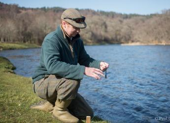Monitoring water temperature in the river Spey (c) Paul Glendell