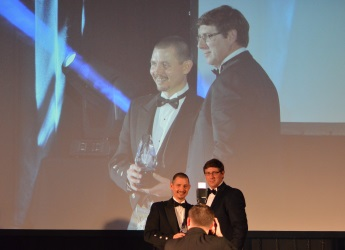 Mark Sinclair (right) presents the award to Inveralmond Brewery (c) James Hutton