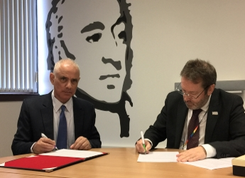Profs Sayed Azam-Ali (l) and Colin Campbell (r) signed the document