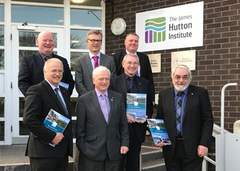 Council leaders with Hutton representatives (c) James Hutton Institute