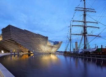 V&A Dundee and RRS Discovery (photo by Hufton Crow)